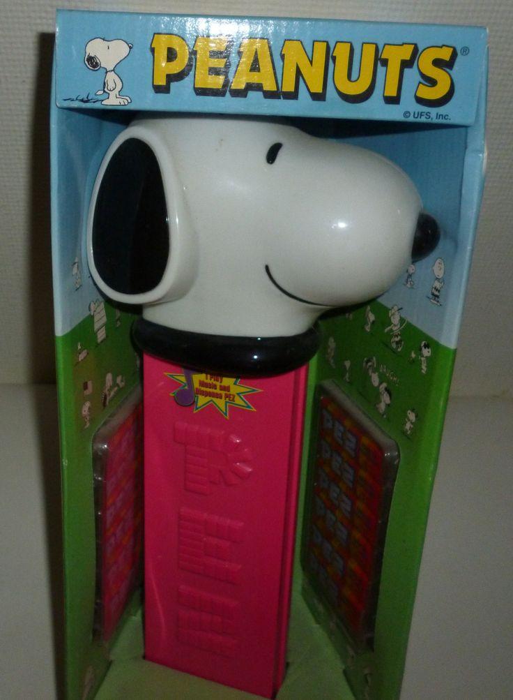 Giant Peanuts Snoopy Pez Dispenser