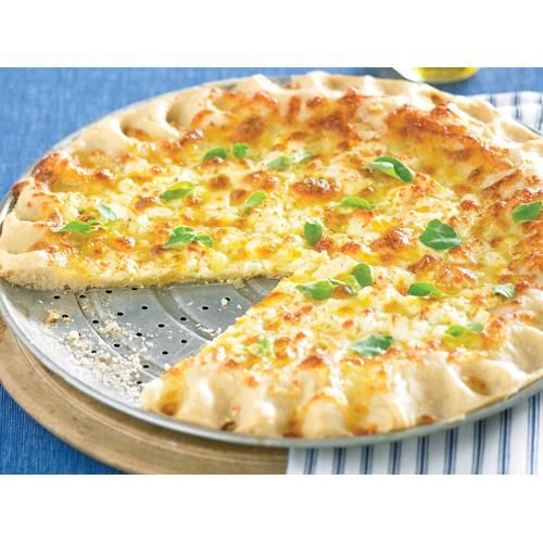 Garlic cheese pizza recipe - This simple vegetarian pizza uses a homemade pizza base. If you haven't done it before, making your own dough can be very satisfying. Experiment with your favourite toppings.