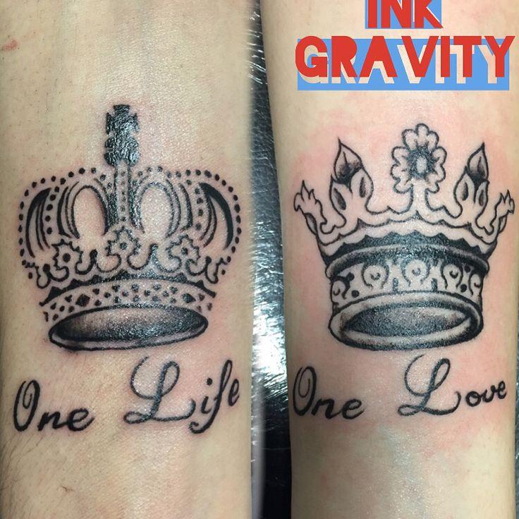 Couple pareja tattoo Crow coronas
