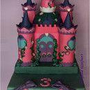 """Torta decorata in pasta di zucchero """"Il Castello della Principessa"""""""