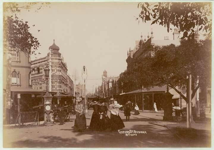 Oxford St,Sydney in 1900.