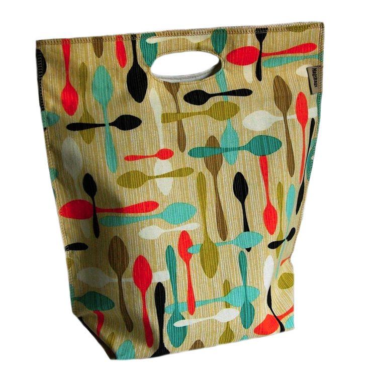 Obědová+taška+-+lžíce+Obědové+tašky+jsou+ideální+řešení,+když+si+chcete+vzít+oběd+z+domova+do+práce,+na+výlet+a+nebo+do+školy.+Vnitřek+je+vypodšívkovaný+zátěrovou+látkou+(+nylonová+látka+s+PU+zátěrem),+kterou+máme+atestovanou+na+styk+s+potravinami+v+TZÚ+Zlín.+Je+snadno+udržovatelná,+pokud+se+vnitřek+tašky+ušpiní,+stačí+jí+otočit+naruby+a+vymýt+horkou...