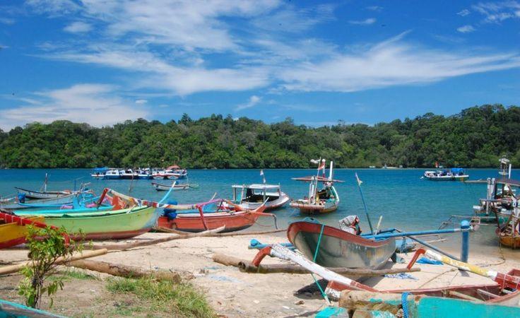 Pantai Sendang Biru dan Pulau Sempu, Kecamatan Sumber Manjing Wetan - PORTAL PEMERINTAH KABUPATEN MALANG