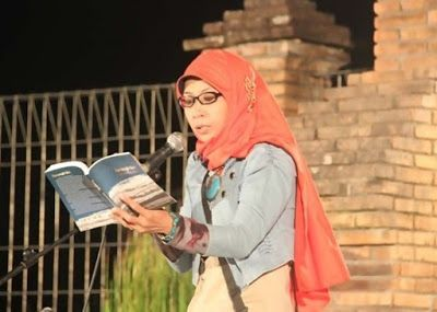Apresiasi Puisi ~ Karya Tulis berbentuk Puisi dari Penulis Lokal ini Patut di Acungi Jempol.. Baca deh,,,!