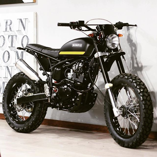Scramblers & Trackers   Tag #scramblerstrackers   Another great creation from @born_motor #bornmotor #bornmotorco #scrambler #tracker #flattrackers #scramblers #trackers