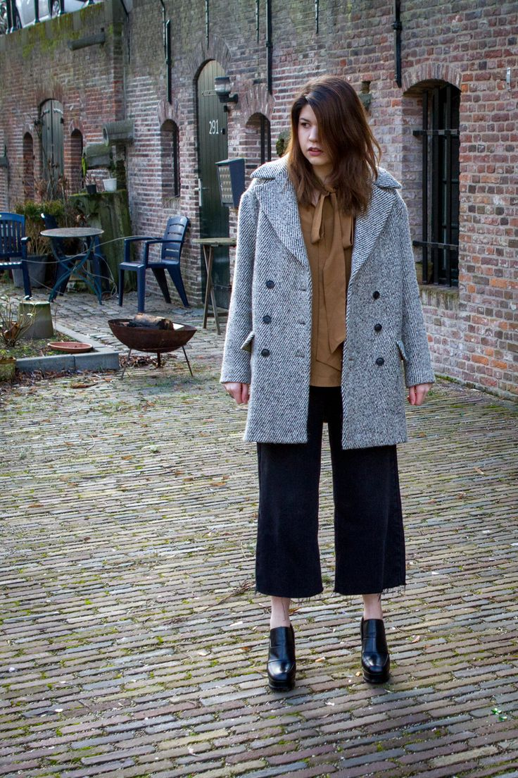 Click to see this outfit featuring jean culottes | Nicole Parise #style #women #culottes #loafer #fashion #ss17 #europe #travel #dutch #tweed