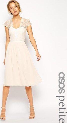 d89588773c15a Vestido invitadas de boda a media pierna de encaje festoneado de ASOS  PETITE asos el-rosa Encaje