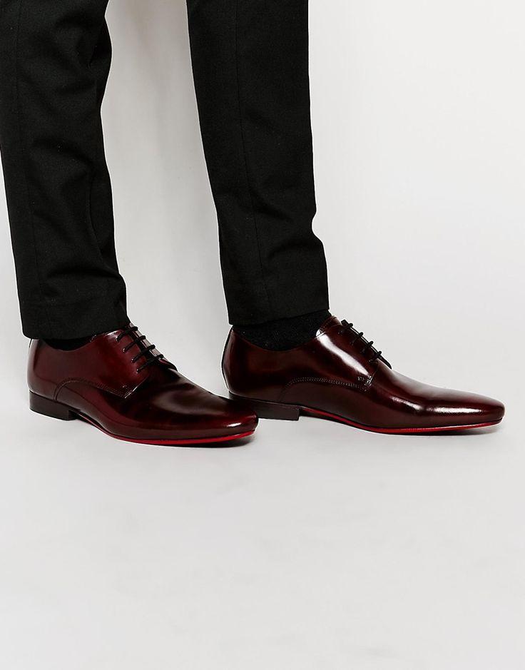 Imagen 1 de Zapatos Derby de charol con suela roja de ASOS
