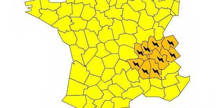 """25 départements en alerte orange """"orages"""" jusqu'à 10h"""