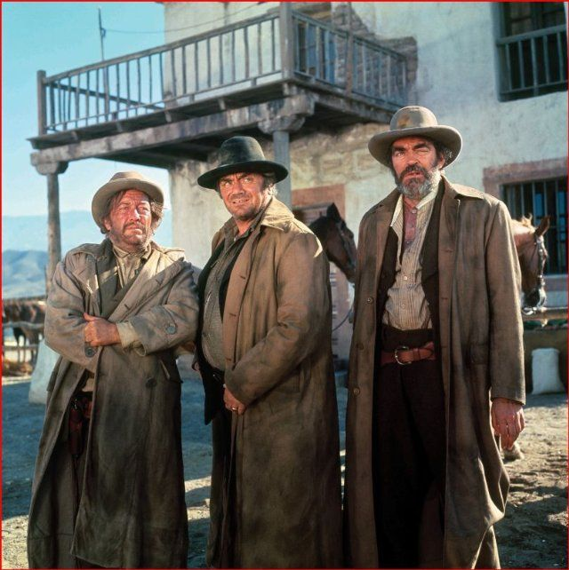 Still of Ernest Borgnine, Jack Elam and Strother Martin in Hannie Caulder (1971)