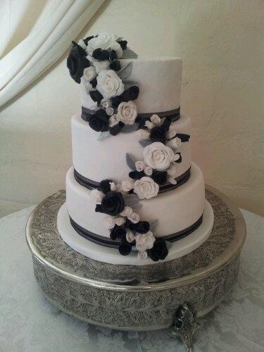 Black, white and silver wedding cake