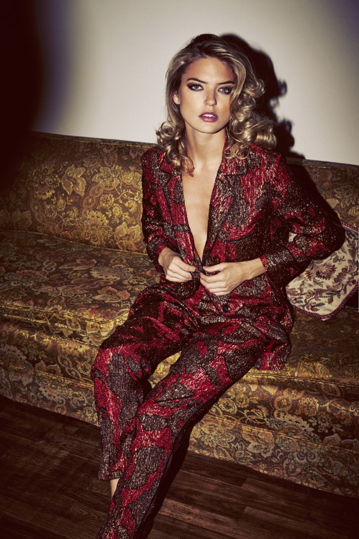 Style Tip: 5 Perfect Pantsuits for your Holiday Party | Visual Therapy