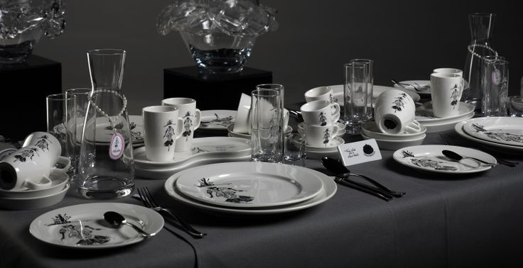 Wining and Dining with Fashiondolls® even that is possible to enjoy a fashionable diner  by Raoul Martin  photography by Vincent Nabbe