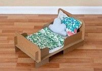 кукольная кровать из картона