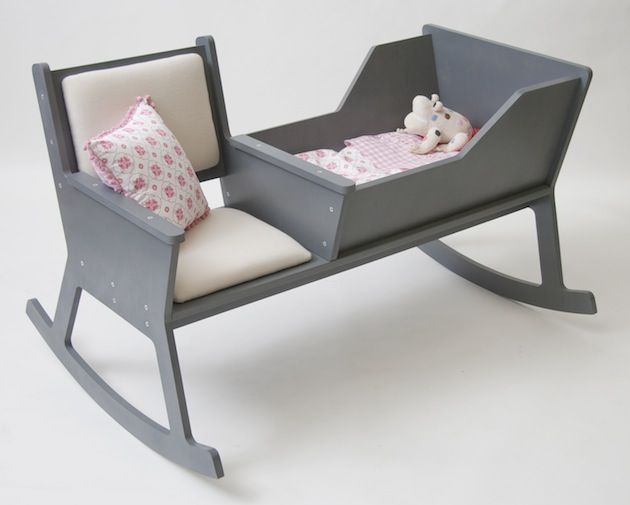 Die niederländischen Designer von Ontwerpduo haben sich mit Rockid ein zweckdienliches Möbelstück einfallen lassen, dass sich zu einer Schaukelstuhl-Bank