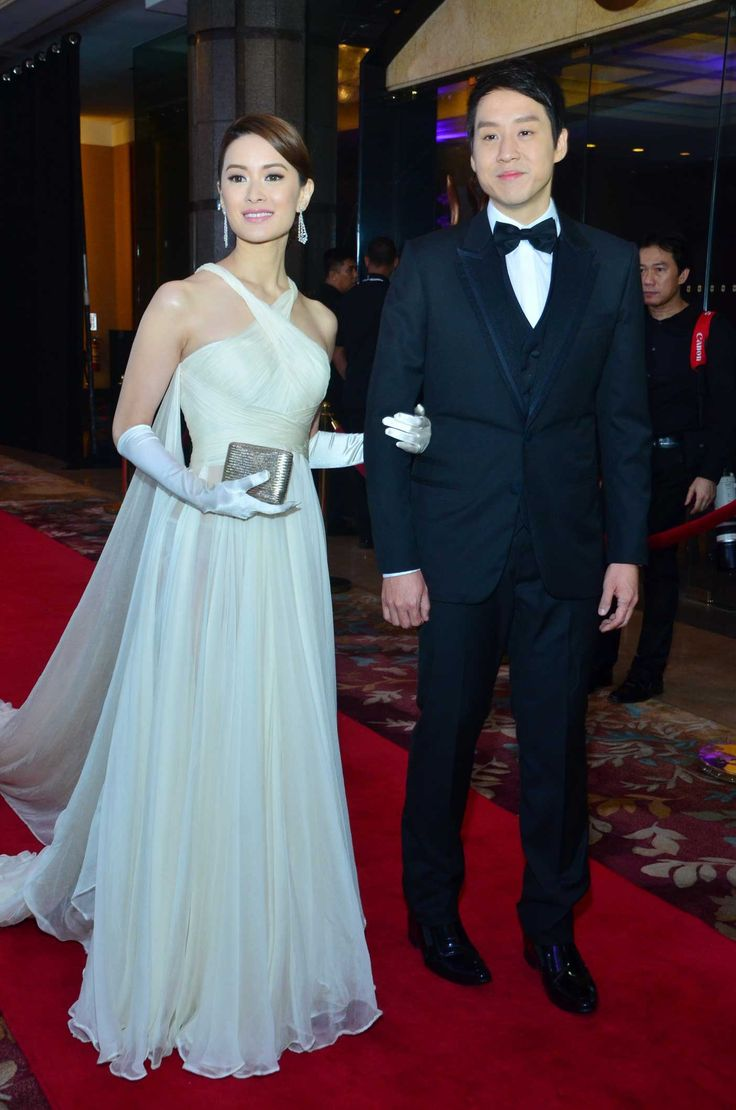 Star magic ball controversial dress white and gold