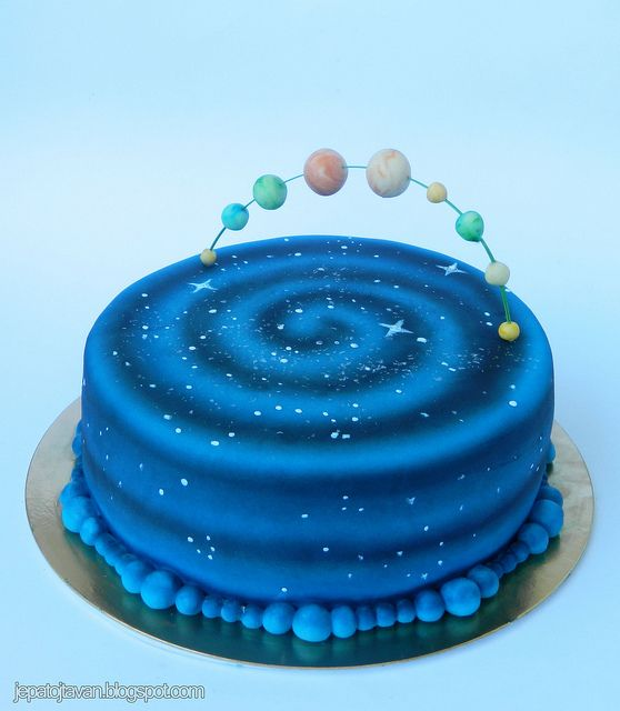 Planet Cake Images : 25+ best ideas about Solar system cake on Pinterest ...