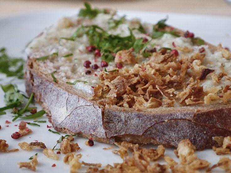 Die Stulle ist ein rustikal-gemütliches Tagescafé, unser Flavour Magazin Tipp zum Frühstücken in Charlottenburg!