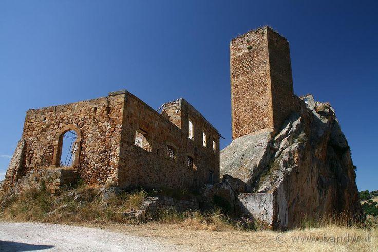Castello di Pietratagliata o Li Gresti