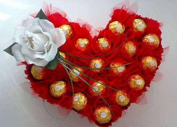 diy valentine's mailbox | DIY Valentine's Day gift idea ferrero rocher red organza toothpicks