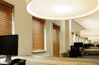 Voor Eurodev hebben we dit project gerealiseerd. De raamdecoratie past perfect bij het interieur!