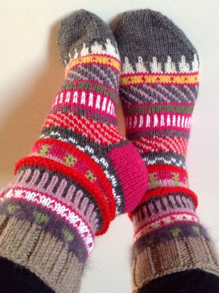 RESERVE - Chaussettes hiver multicolore en laine tricotées main III : Chaussettes, guêtres par katerine