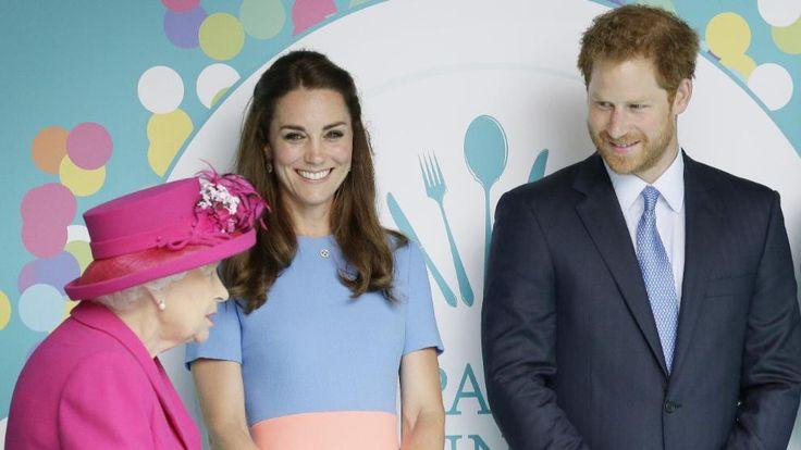 Herzogin Kate hat hier auch was zu lachen, Prinz Harry sorgt immer für gute Stimmung
