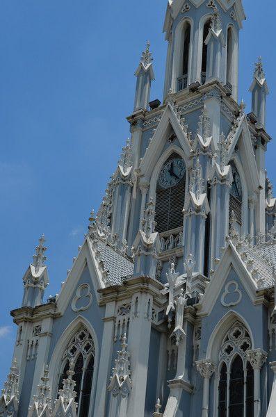 Iglesia de la Ermita. Cali, Valle Effortless Fashion - Maglietto #TravelColombia