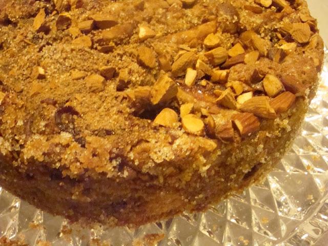 Skøn æblekage. Piftet creme fraiche