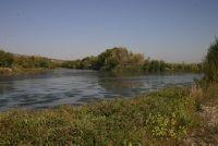 Aiguabarreig Segre-Cinca és un Espai eminentment fluvial i de gran interès. S'inicia al riu Cinca al seu pas per la Granja d'Escarp fins a la seva unió amb el Segre, i al Segre des de l'aiguabarreig fins al seu pas per Seròs. Guarda força similitud amb l'aiguabarreig dels rius Noguera Ribagorçana i Segre, amb la diferència que el Segre-Cinca té un caràcter molt més continental.