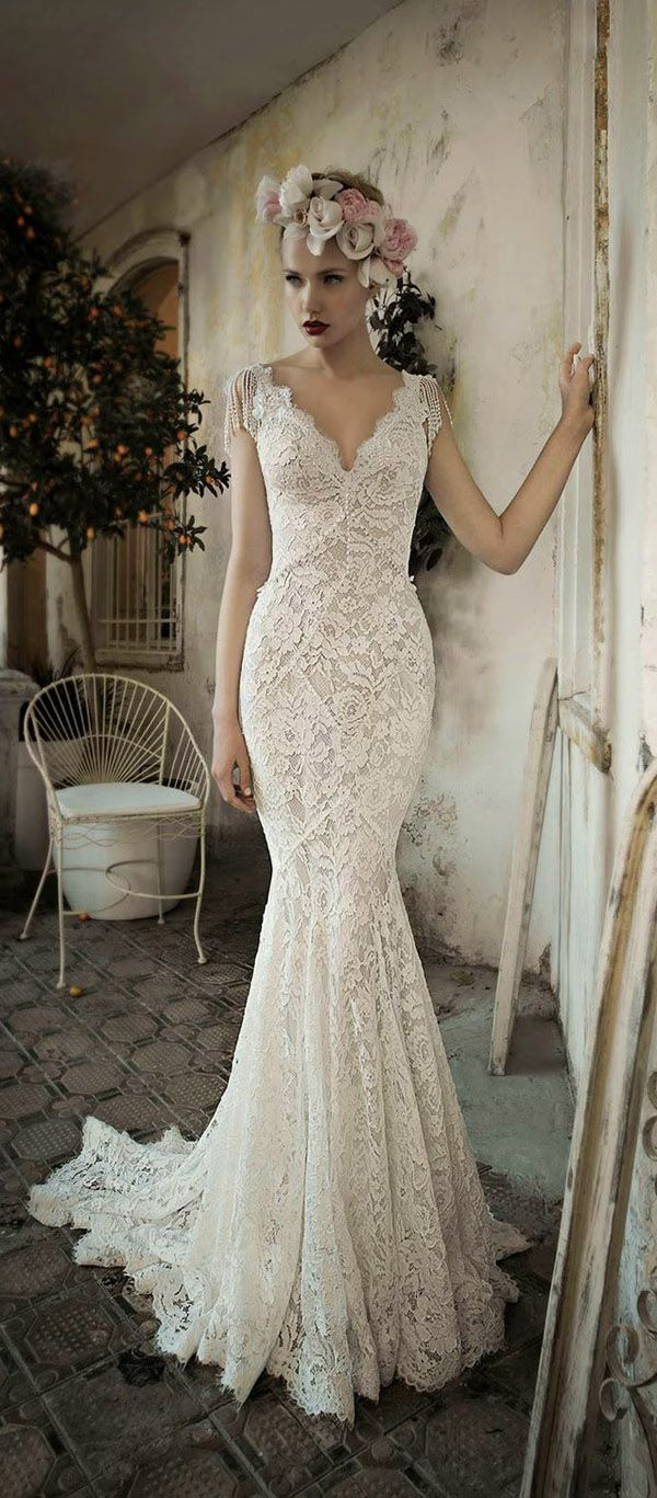 Best 25 vintage wedding dresses ideas on pinterest lace for Beautiful fitted wedding dresses