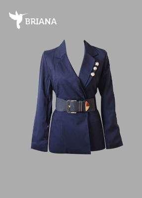 #blazer en #azul #marino con  #botones #plateados y #cinto