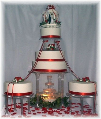 Weddings Cake With Water Fountain