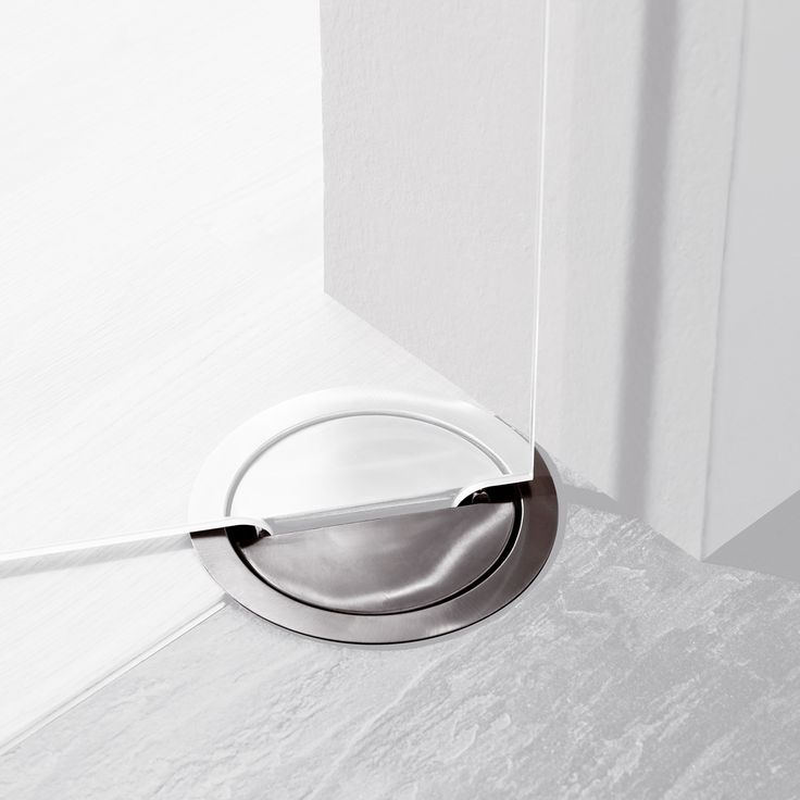 DORMA VISUR Concealed Hardware for Double-Acting Doors... for the customer entrance to the office.