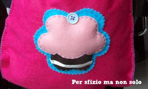 Per sfizio ma non solo: Cucito creativo - sacchettina per l'asilo con cupcake applique' in pannolenci