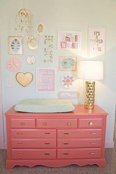 Project Nursery – comme la couleur du mur et la couleur de la commode (pour la table à langer)   – Nursery Decor