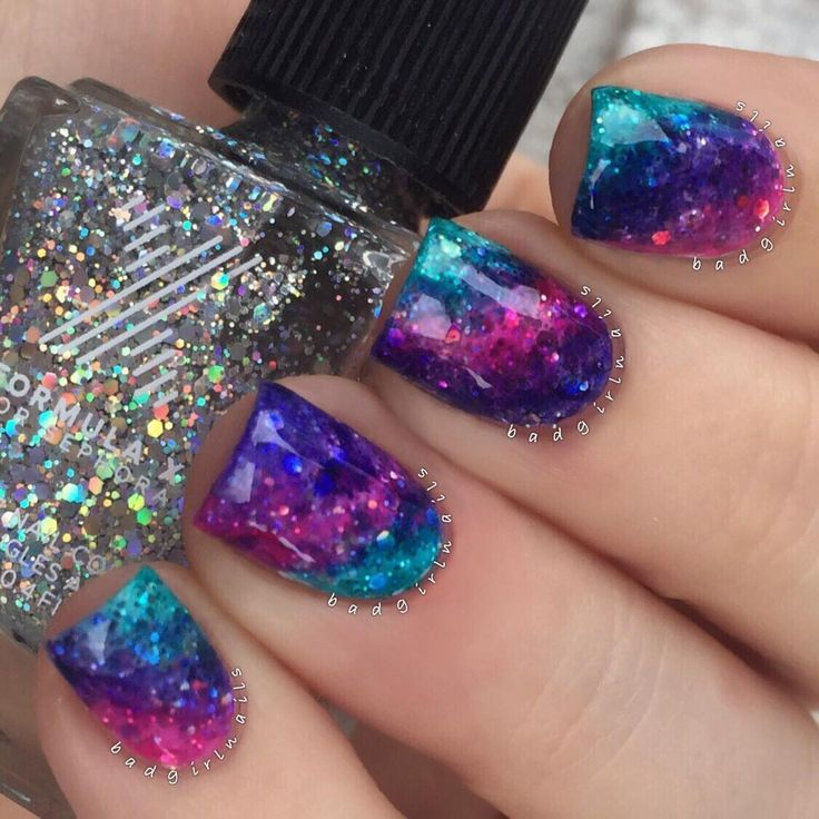 """I don't even know what to call these. Mermaid holo gradient? Intergalactic Unicorn Nails? All I know is I'm obsessed✨ Featuring @formulaxnail ""Hubba…"""