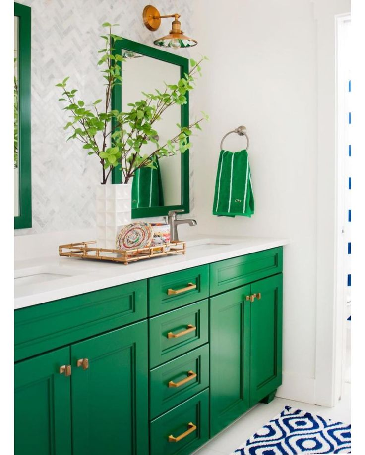 Been texting with a friend about her bathroom redo and we're both madly in love with this preppy Kelly green vanity. @hgtv http://ift.tt/1JhoRaY
