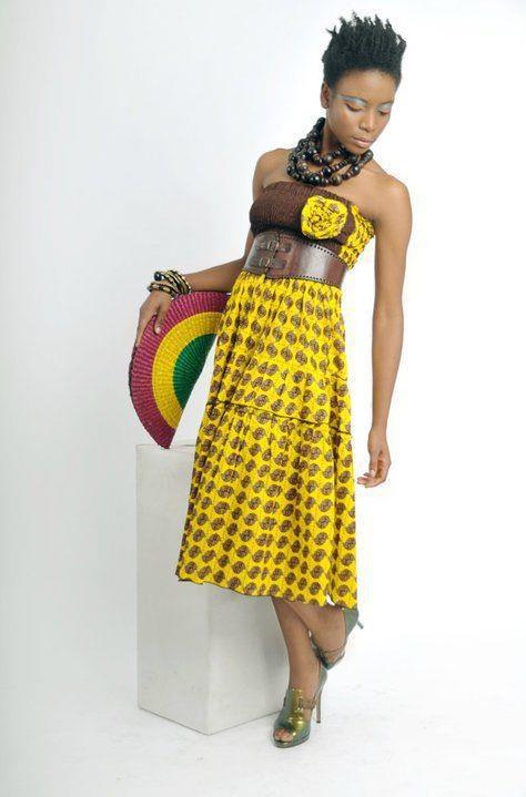 Un vestito realizzato con un tessuto Africano.