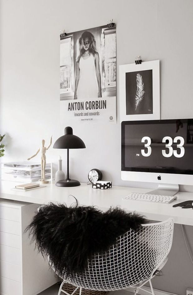 Interior color schemes inspiration: black and white design ideas for a home office #homedecor #officedecor #blackandwhitedecor