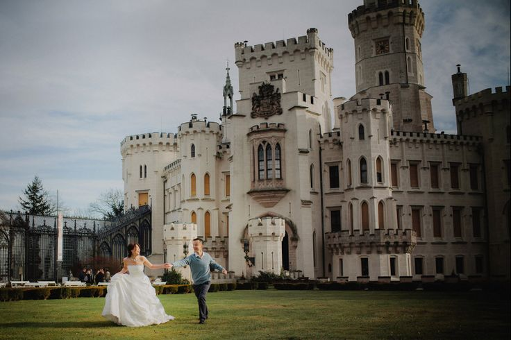 Sandy & Jimmy (Hong Kong) pre wedding at Castle Hluboka nad Vltavou in the Czech Republic