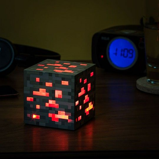 Lampe redstone Minecraft 30€ http://musique.fnac.com/mp21068492/Minecraft-Lampe-Redstone-Ore/w-4