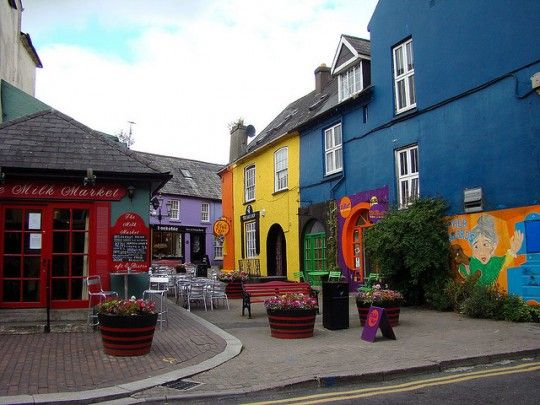 Ireland Road Trip: 7 Spots Not to Miss http://travelblog.viator.com/southern-ireland-road-trip/