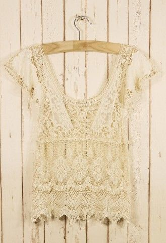 I wonder if my mom can crochet me one of these *-*  Bohemian Pages: The Little Crochet Top