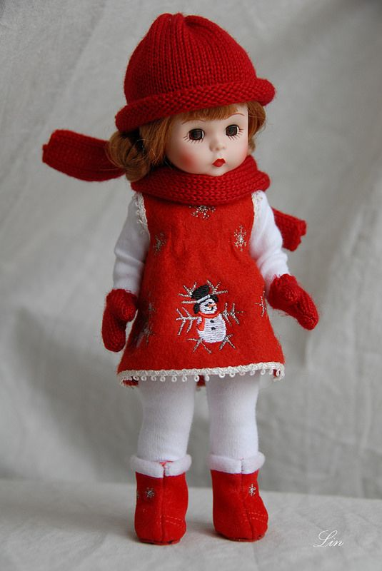 Madame Alexander Doll: Wendy builds a snowman   Flickr - Photo Sharing!