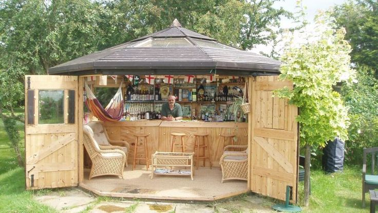 Man sheds: Just the right amount of distance can keep couples close