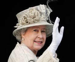 La regina Elisabetta e Lady Diana, divise anche nella gestione del denaro. La principessa diceva di soffrire il freddo nel castello di Balmoral, in cui non si accendeva il fuocoPagherà anche le tasse, avrà anche rinunciato a un aereo e a uno yacht personali,...