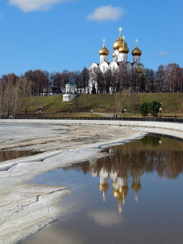 Весна златоглавая Фото: Николай Белавин  #ярославль #yaroslavl