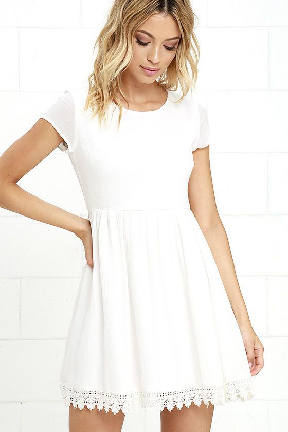 We've all heard that we should give our all at everything we do, and the Wholehearted Ivory Babydoll Dress is right on board! Woven poly fabric creates an overall loose-fitting babydoll silhouette with a rounded neck, short sleeves, and a wide-cut skirt with a crochet lace-trimmed hem. Keyhole with button closure at back.