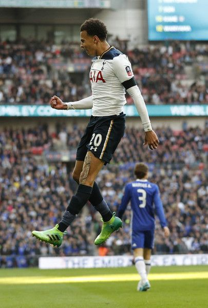 Tottenham Hotspur's English midfielder Dele Alli celebrates scoring the team's second goal during the FA Cup semi-final football match between Tottenham Hotspur and Chelsea at Wembley stadium in London on April 22, 2017. / AFP PHOTO / Adrian DENNIS / NOT FOR MARKETING OR ADVERTISING USE / RESTRICTED TO EDITORIAL USE.